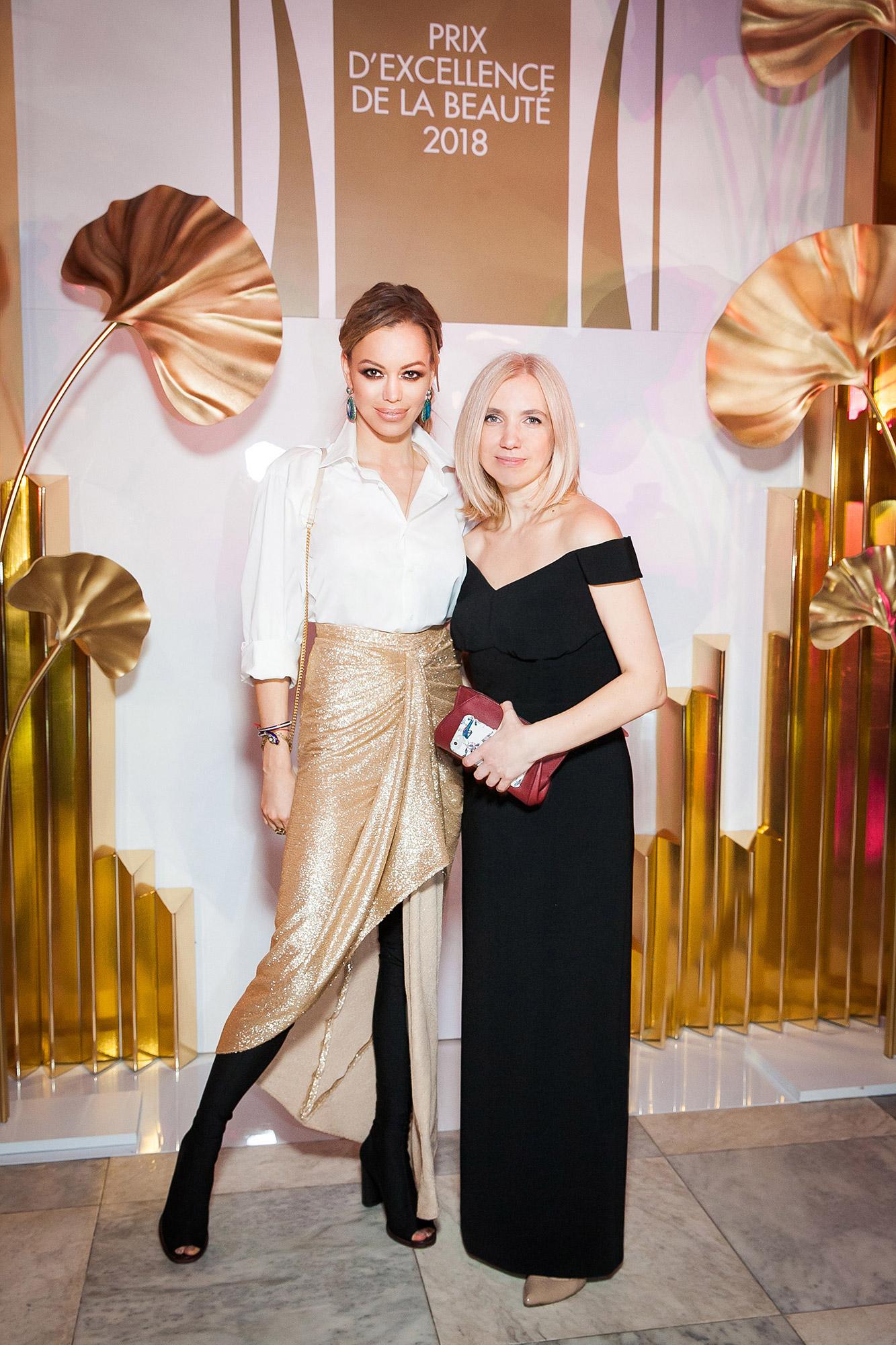 Анастасия Романцова и Анна Бурашова в A LA RUSSE на премии Marie Claire