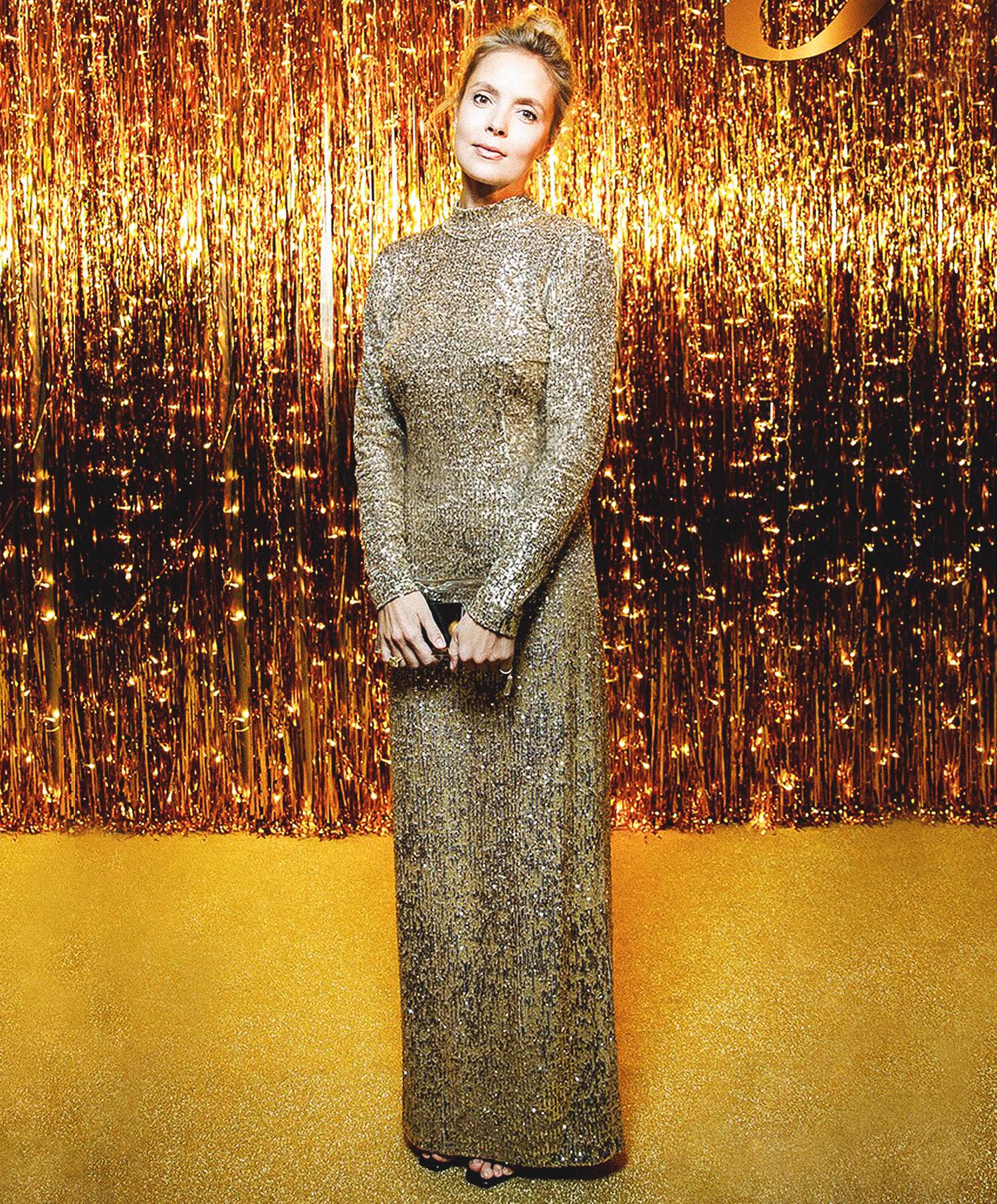 Виктория Манасир в платье A LA RUSSE by Anastasia Romantsova из коллекции FW19 на ужине Mercury